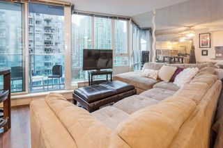 "Photo 3: 1508 233 ROBSON Street in Vancouver: Downtown VW Condo for sale in ""TV Towers"" (Vancouver West)  : MLS®# R2232042"