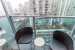 "Photo 14: 1508 233 ROBSON Street in Vancouver: Downtown VW Condo for sale in ""TV Towers"" (Vancouver West)  : MLS®# R2232042"