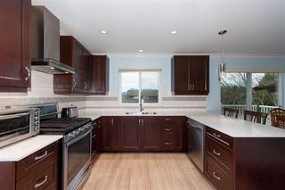 Photo 6: 22774 REID Avenue in Maple Ridge: East Central House for sale : MLS®# R2253460