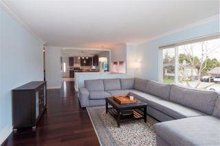 Photo 3: 22774 REID Avenue in Maple Ridge: East Central House for sale : MLS®# R2253460