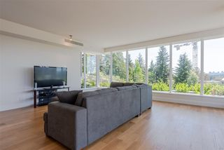 Photo 4: 401 870 KEITH Road in West Vancouver: Park Royal Condo for sale : MLS®# R2269357