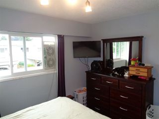 "Photo 8: 3 9473 HAZEL Street in Chilliwack: Chilliwack E Young-Yale Townhouse for sale in ""HAZELWOOD ESTATES"" : MLS®# R2275891"