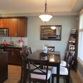 """Photo 4: 11 22225 50 Avenue in Langley: Murrayville Townhouse for sale in """"Murrays Landing"""" : MLS®# R2286198"""