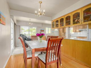 Photo 4: 5831 WINCH Street in Burnaby: Parkcrest House for sale (Burnaby North)  : MLS®# R2288933