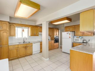 Photo 5: 5831 WINCH Street in Burnaby: Parkcrest House for sale (Burnaby North)  : MLS®# R2288933