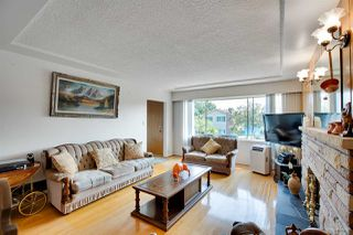 Photo 3: 3091 E 6TH Avenue in Vancouver: Renfrew VE House for sale (Vancouver East)  : MLS®# R2293922