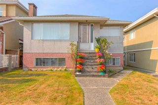 Main Photo: 3091 E 6TH Avenue in Vancouver: Renfrew VE House for sale (Vancouver East)  : MLS®# R2293922