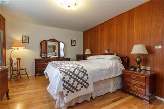 Photo 13: 919 Parklands Drive in VICTORIA: Es Gorge Vale Single Family Detached for sale (Esquimalt)  : MLS®# 401885