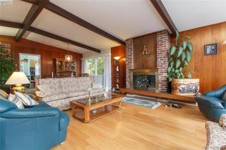 Photo 3: 919 Parklands Drive in VICTORIA: Es Gorge Vale Single Family Detached for sale (Esquimalt)  : MLS®# 401885