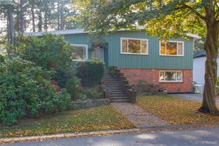 Photo 1: 919 Parklands Drive in VICTORIA: Es Gorge Vale Single Family Detached for sale (Esquimalt)  : MLS®# 401885