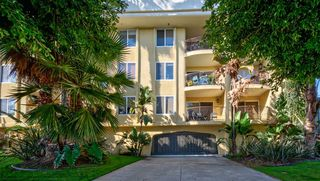 Photo 2: PACIFIC BEACH Condo for sale : 1 bedrooms : 4205 Lamont St #19 in San Diego