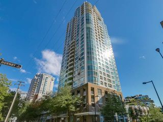 "Main Photo: 3002 1500 HORNBY Street in Vancouver: Yaletown Condo for sale in ""888 Beach - Beach Tower"" (Vancouver West)  : MLS®# R2341837"