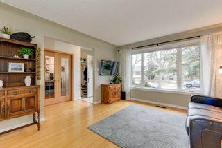 Photo 3: 10912 148 Street in Edmonton: Zone 21 House for sale : MLS®# E4151034