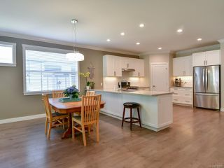 Photo 6: 27 2000 Treelane Rd in CAMPBELL RIVER: CR Campbell River West Row/Townhouse for sale (Campbell River)  : MLS®# 812235