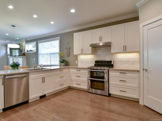 Photo 2: 27 2000 TREELANE ROAD in CAMPBELL RIVER: CR Campbell River West Row/Townhouse for sale (Campbell River)  : MLS®# 812235