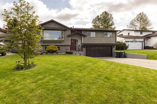 Photo 1: 9268 212B Street in Langley: Walnut Grove House for sale : MLS®# R2363172