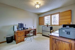 Photo 16: 153 SHAWNEE Court SW in Calgary: Shawnee Slopes Detached for sale : MLS®# C4242330