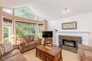 Photo 3: 5073 CENTRAL Avenue in Delta: Hawthorne House for sale (Ladner)  : MLS®# R2366882