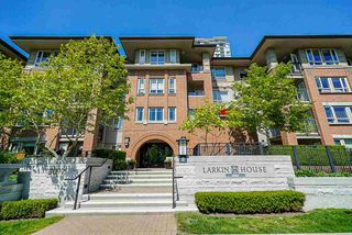 "Main Photo: 416 3097 LINCOLN Avenue in Coquitlam: New Horizons Condo for sale in ""Larkin House"" : MLS®# R2367933"