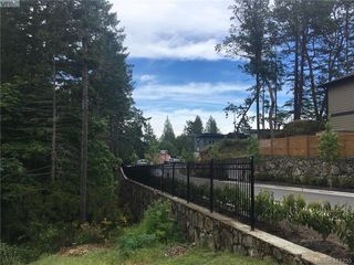 Photo 32: 2223 Echo Valley Rise in VICTORIA: La Bear Mountain Row/Townhouse for sale (Langford)  : MLS®# 815279