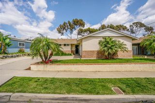 Photo 3: SAN CARLOS House for sale : 3 bedrooms : 6393 E Lake Dr in San Diego