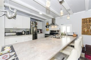 """Photo 10: 271 TOMAHAWK Avenue in West Vancouver: Park Royal Manufactured Home for sale in """"Capilano Mobile Home Park"""" : MLS®# R2381245"""