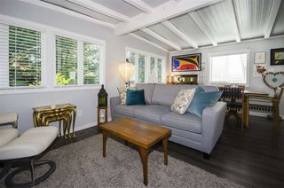"""Photo 5: 271 TOMAHAWK Avenue in West Vancouver: Park Royal Manufactured Home for sale in """"Capilano Mobile Home Park"""" : MLS®# R2381245"""