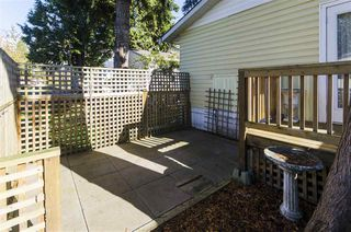 """Photo 17: 271 TOMAHAWK Avenue in West Vancouver: Park Royal Manufactured Home for sale in """"Capilano Mobile Home Park"""" : MLS®# R2381245"""