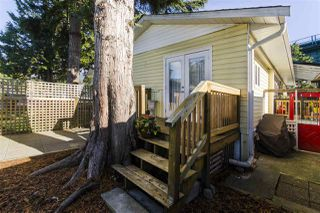 """Photo 16: 271 TOMAHAWK Avenue in West Vancouver: Park Royal Manufactured Home for sale in """"Capilano Mobile Home Park"""" : MLS®# R2381245"""