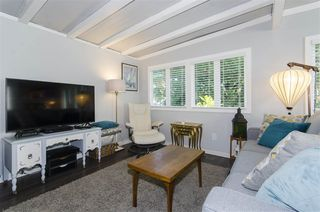 """Photo 4: 271 TOMAHAWK Avenue in West Vancouver: Park Royal Manufactured Home for sale in """"Capilano Mobile Home Park"""" : MLS®# R2381245"""
