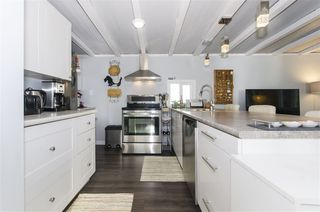 """Photo 9: 271 TOMAHAWK Avenue in West Vancouver: Park Royal Manufactured Home for sale in """"Capilano Mobile Home Park"""" : MLS®# R2381245"""