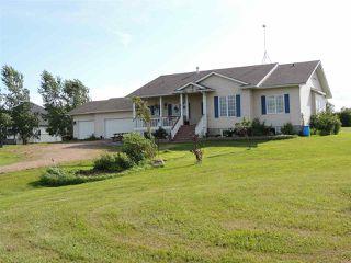 Photo 1: 69 HILLSBOROUGH Heights: Rural Sturgeon County House for sale : MLS®# E4167414