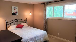 Photo 11: 16707 94 Avenue in Edmonton: Zone 22 House for sale : MLS®# E4172805