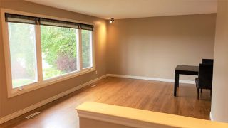 Photo 4: 16707 94 Avenue in Edmonton: Zone 22 House for sale : MLS®# E4172805