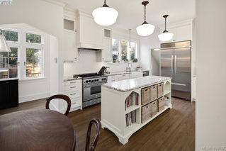 Photo 10: 2809 Burdick Ave in VICTORIA: OB Estevan Single Family Detached for sale (Oak Bay)  : MLS®# 829333