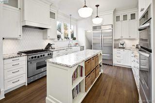 Photo 7: 2809 Burdick Ave in VICTORIA: OB Estevan Single Family Detached for sale (Oak Bay)  : MLS®# 829333