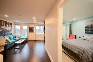 Photo 2: W310 488 KINGSWAY AVENUE in Vancouver: Mount Pleasant VE Condo for sale (Vancouver East)  : MLS®# R2471410