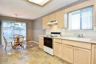 "Photo 6: 31 8567 164 Street in Surrey: Fleetwood Tynehead Townhouse for sale in ""MONTA ROSA"" : MLS®# R2503379"