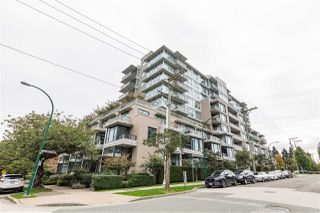 """Photo 1: 702 2788 PRINCE EDWARD Street in Vancouver: Mount Pleasant VE Condo for sale in """"Uptown"""" (Vancouver East)  : MLS®# R2509193"""