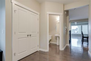 Photo 3: 5 SHERWOOD Road NW in Calgary: Sherwood Detached for sale : MLS®# A1042842