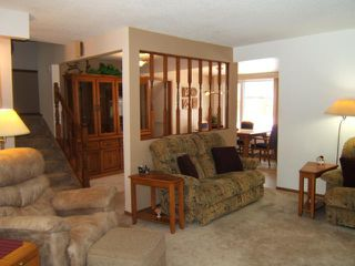Photo 3: 51 ESSAR Avenue in WINNIPEG: East Kildonan Residential for sale (North East Winnipeg)  : MLS®# 1104069