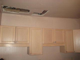 Photo 4: 236 MANDEVILLE Street in WINNIPEG: St James Residential for sale (West Winnipeg)  : MLS®# 1106062