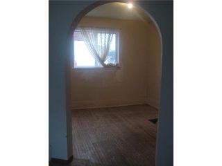 Photo 8: 236 MANDEVILLE Street in WINNIPEG: St James Residential for sale (West Winnipeg)  : MLS®# 1106062