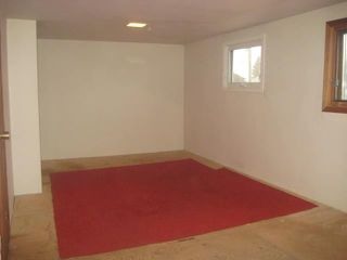 Photo 10: 236 MANDEVILLE Street in WINNIPEG: St James Residential for sale (West Winnipeg)  : MLS®# 1106062
