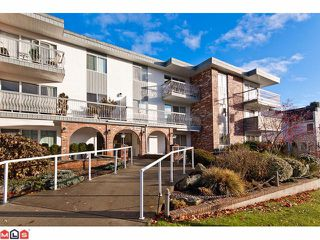 "Photo 1: 309 1520 BLACKWOOD Street: White Rock Condo for sale in ""Blue Surf"" (South Surrey White Rock)  : MLS®# F1128093"