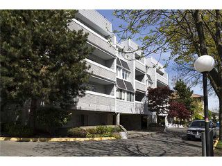 "Photo 13: 204 7471 BLUNDELL Road in Richmond: Brighouse South Condo for sale in ""CANTERBURY COURT"" : MLS®# V1061435"
