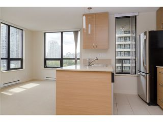 Photo 7: 704 909 MAINLAND Street in Vancouver: Yaletown Condo for sale (Vancouver West)  : MLS®# V1072136