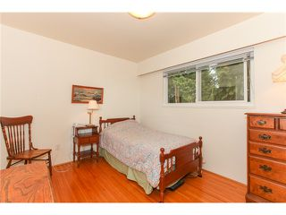 "Photo 10: 6882 YEOVIL Place in Burnaby: Montecito House for sale in ""Montecito"" (Burnaby North)  : MLS®# V1119163"