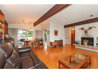 "Photo 4: 6882 YEOVIL Place in Burnaby: Montecito House for sale in ""Montecito"" (Burnaby North)  : MLS®# V1119163"
