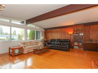 "Photo 3: 6882 YEOVIL Place in Burnaby: Montecito House for sale in ""Montecito"" (Burnaby North)  : MLS®# V1119163"